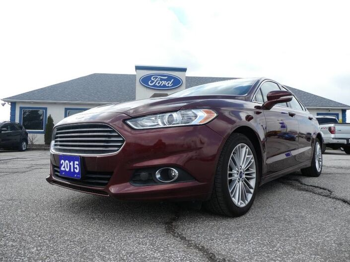 2015 Ford Fusion SE- LEATHER- SUNROOF- NAVIGATION Essex ON