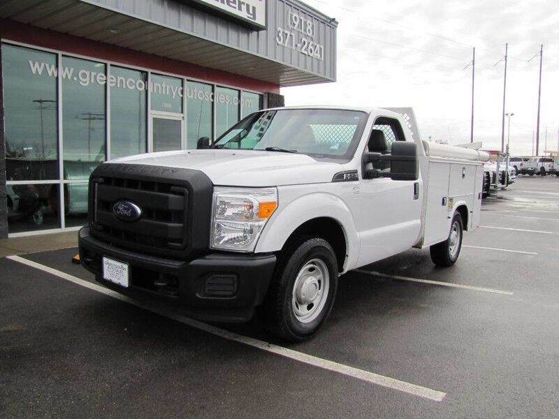2015 Ford Super Duty F-250 Utility Tommy Lift