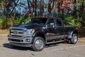 2015_Ford_Super Duty F-450 DRW_Lariat_ Akron OH
