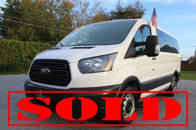 2015 Ford Transit T-150 XL 10-Passenger Van - Low Roof New Castle DE