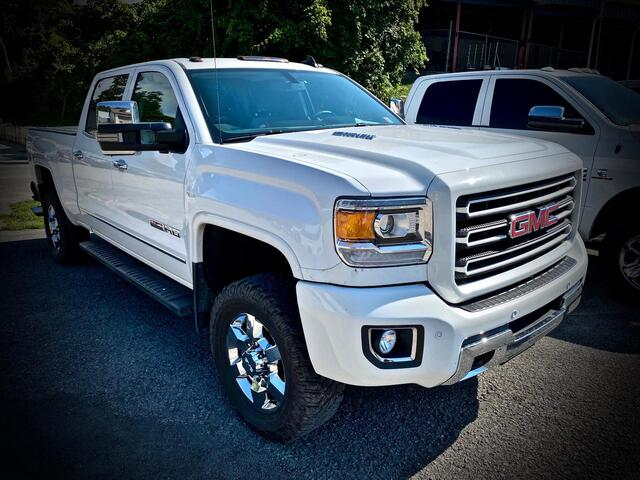 2015_GMC_SIERRA 2500 CREW CAB 4X4_SLT ALL TERRAIN_ Bridgeport WV