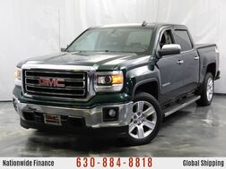 2015_GMC_Sierra 1500_SLE / 5.3L V8 Engine / 4 Wheel Drive / Rear View Camera / Premium Cloth Seats / Bluetooth_ Addison IL