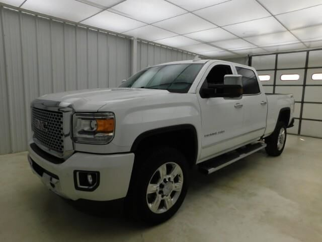 2015 GMC Sierra 2500HD available WiFi 4WD Crew Cab 153.7 Denali Manhattan KS