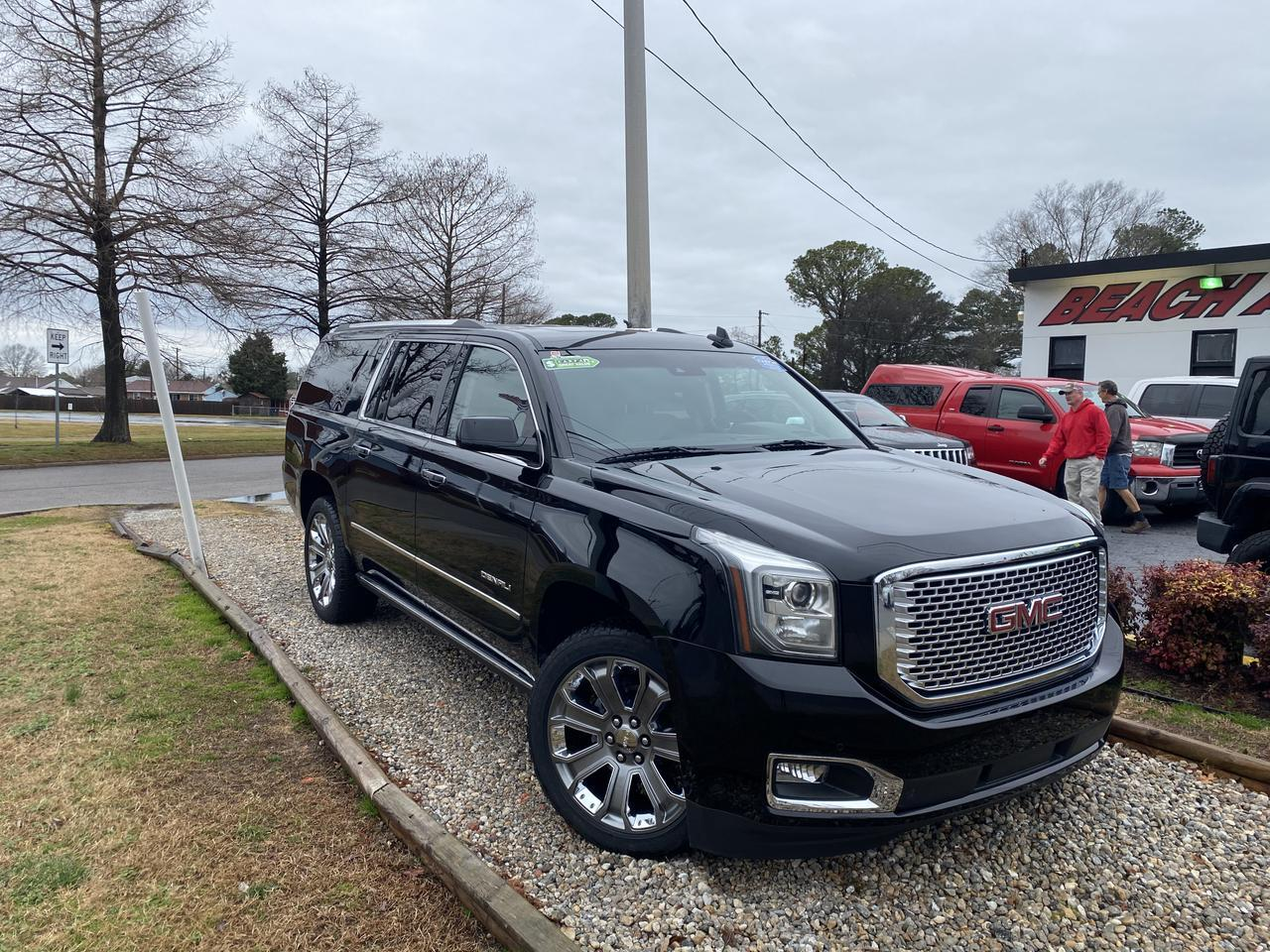 2015 GMC YUKON XL DENALI, WARRANTY, LEATHER, NAV, HEATED/COOLED SEATS, DVD PLAYER, SUNROOF, REMOTE START!