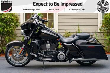 2015_Harley-Davidson_FLHXSE_CVO_ Boxborough MA