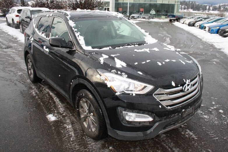 2015 Hyundai Santa Fe Sport Premium Bluetooth, Power options,backup sensor, Heated seats. Kelowna BC
