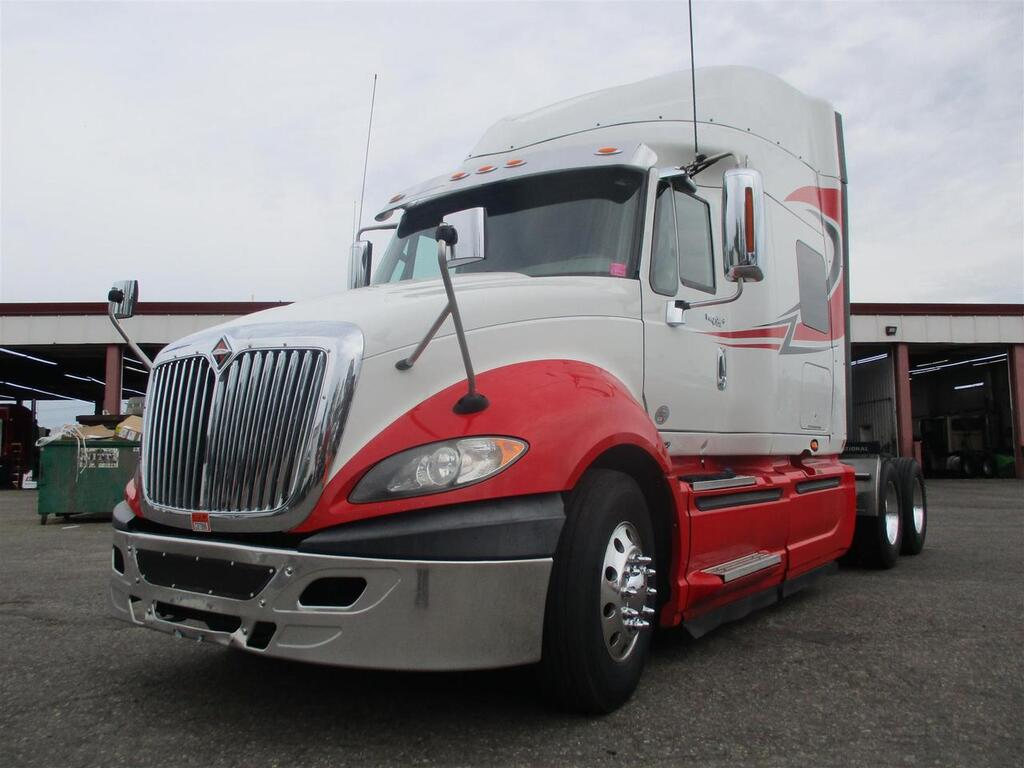2015 International Prostar Mid Roof Eau Claire MN