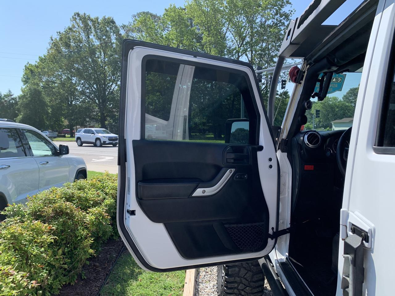 2015 JEEP WRANGLER UNLIMITED RUBICON HARD ROCK 4X4, WARRANTY, LIFTED, LEATHER, HEATED SEATS, NAV, 1 OWNER,CLEAN CARFAX! Norfolk VA