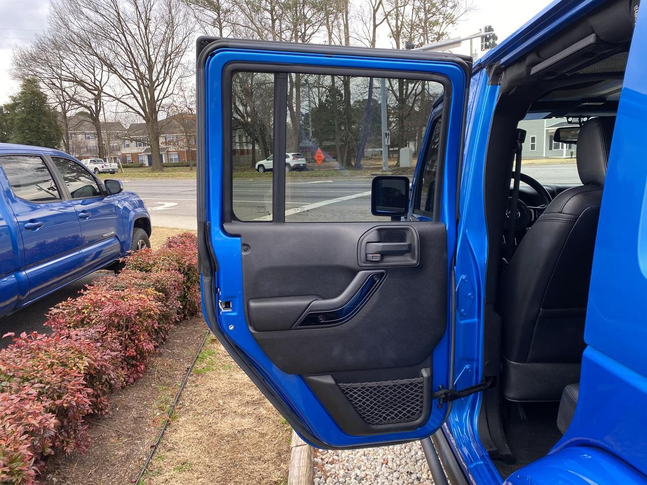 2015 JEEP WRANGLER UNLIMITED SAHARA ALTITUDE 4X4, WARRANTY, LEATHER, HARD TOP, NAVIGATION, HEATED SEATS, BLUETOOTH! Norfolk VA