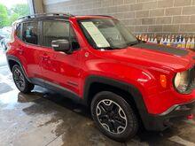 2015_Jeep_Renegade_Trailhawk_ Jacksonville IL