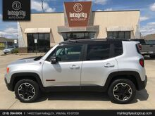 2015_Jeep_Renegade_Trailhawk_ Wichita KS