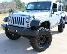 Jeep Wrangler Unlimited Rubicon - w/ NAVIGATION 2015