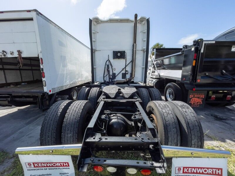 2015 Kenworth T680 Sleeper Fort Lauderdale FL