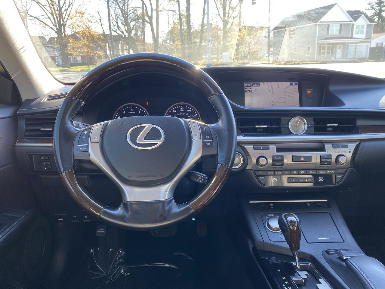2015 LEXUS ES 350 , WARRANTY, LEATHER, SUNROOF, NAV, HEATED/COOLED SEATS, AUX/USB PORT, BACKUP CAM, CLEAN CARFAX! Norfolk VA