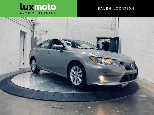 2015_Lexus_ES 300h_Hybrid Heated/Ventilated Seats Intuitive Park Assist_ Salem OR