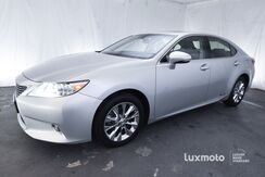 2015_Lexus_ES 300h_Ultra Luxury_ Portland OR