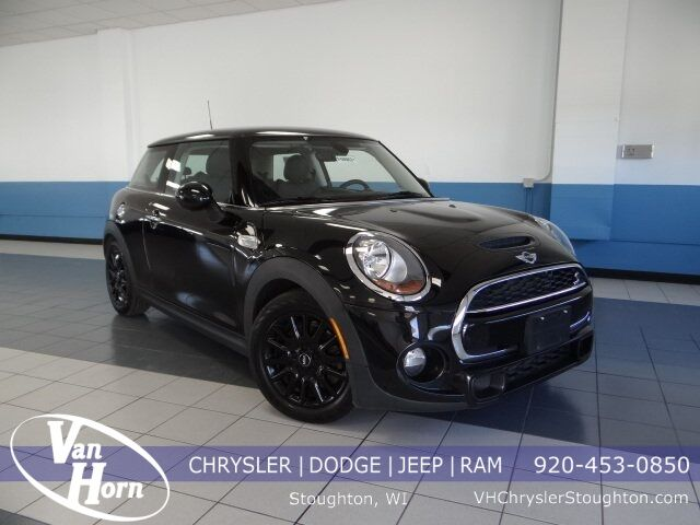 2015 MINI Cooper S Base Plymouth WI
