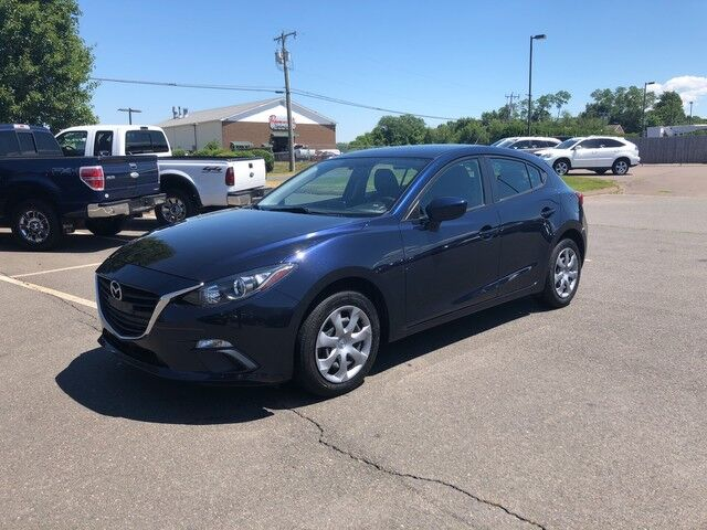 2015 Mazda Mazda3 i Sport East Windsor CT