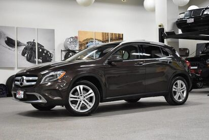 2015_Mercedes-Benz_GLA 250_4MATIC_ Boston MA