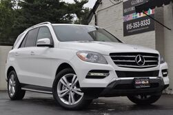 Mercedes-Benz M-Class ML 350 4Matic/Navigation, Rearview Camera/HK Audio/Heated Seats/Heated Steering Wheel/Lane Tracking Package w/ Blind Spot Assist,/Illuminated Star/Running Boards 2015