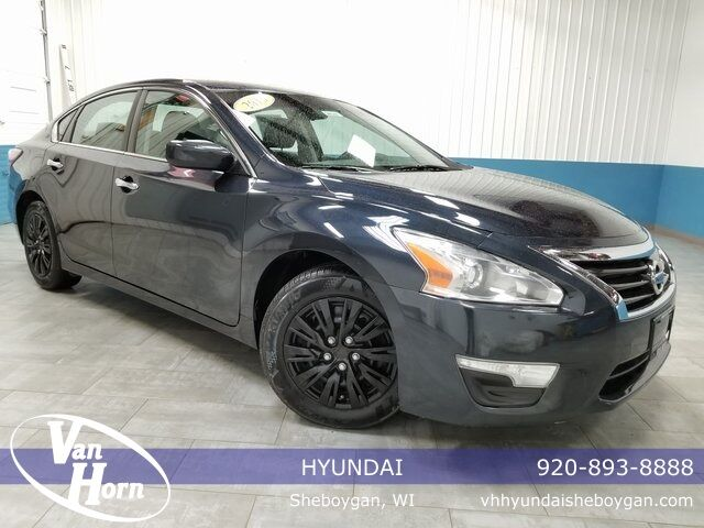 2015 Nissan Altima 2.5 Plymouth WI