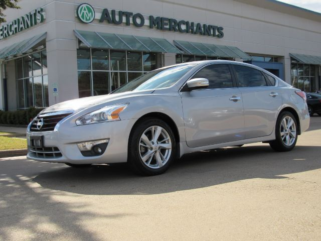 2015 Nissan Altima 2.5 SL, LEATHER SEATS, NAVIGATION SYSTEM, SUNROOF, SAT RADIO, REMOTE ENGINE START, PREMIUM STEREO, H Plano TX