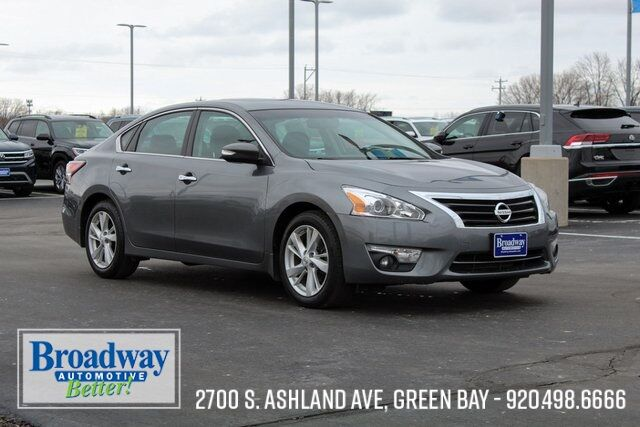 2015 Nissan Altima 2.5 SV Green Bay WI