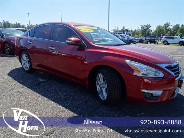 2015 Nissan Altima 2.5 SV Plymouth WI