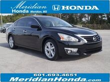 2015_Nissan_Altima_4dr Sdn I4 2.5 SV_ Meridian MS