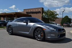 Nissan GT-R Premium/545 HP/New Brake Rotors + Pads & New Tires ($6000)/Updated Chasis/Updated LEDs/Premium Hand-Stitched Ivory Leather/Nav/Rear Cam/Bose Active Noise Cancellation System 2015