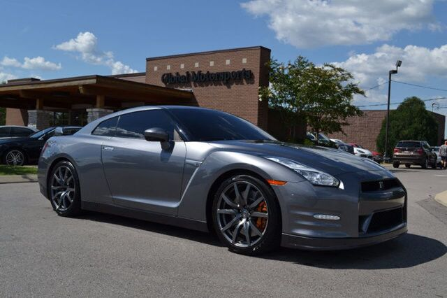2015 Nissan GT-R Premium/545 HP/New Brake Rotors + Pads & New Tires ($6000)/Updated Chasis/Updated LEDs/Premium Hand-Stitched Ivory Leather/Nav/Rear Cam/Bose Active Noise Cancellation System Nashville TN