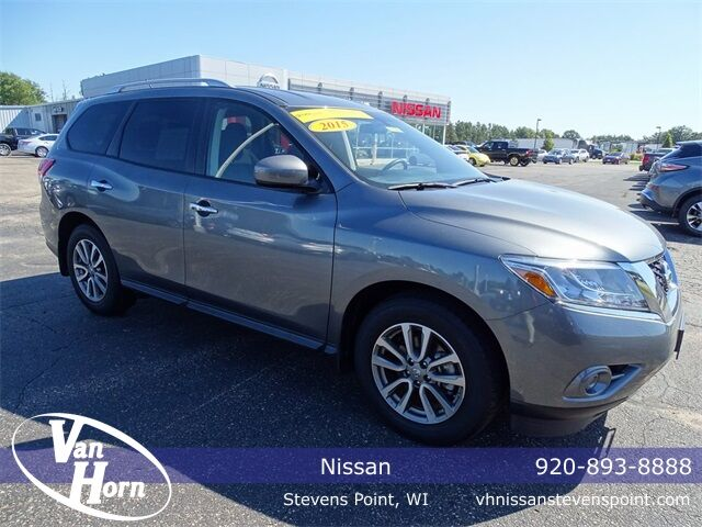 2015 Nissan Pathfinder S Plymouth WI