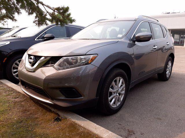 2015 Nissan Rogue  Calgary AB