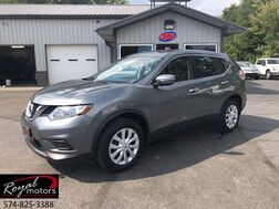2015_Nissan_Rogue_S_ Middlebury IN