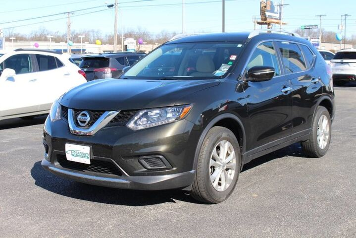 2015 Nissan Rogue SV Fort Wayne Auburn and Kendallville IN