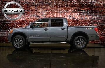 2015_Nissan_Titan_PRO-4X_ Red Deer AB
