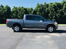 2015_Nissan_Titan_SV Crew Cab 4WD_ Richmond IN