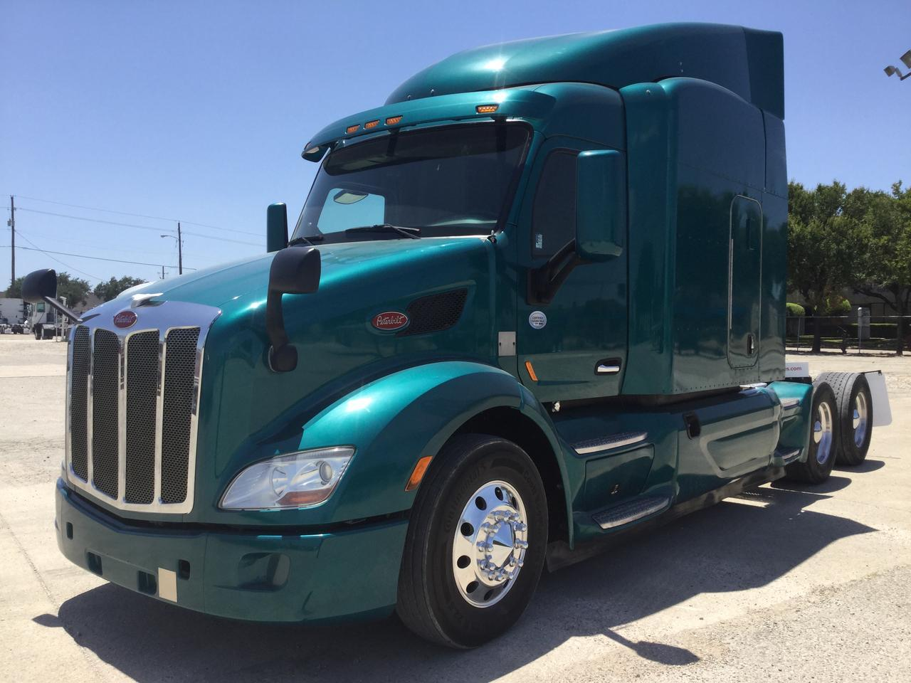 2015 PETERBILT 579 - Dallas TX