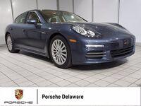 2015 Porsche Panamera 4