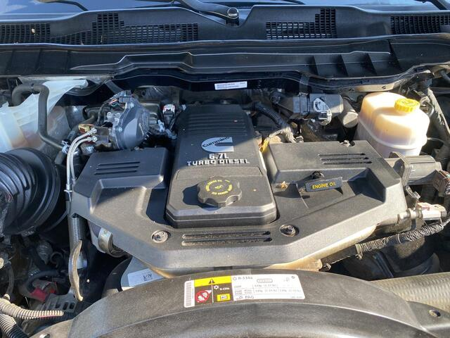 2015 RAM 2500 CREW CAB 4X4 TRADESMAN 6 SPEED MANUAL TRANSMISSION Bridgeport WV