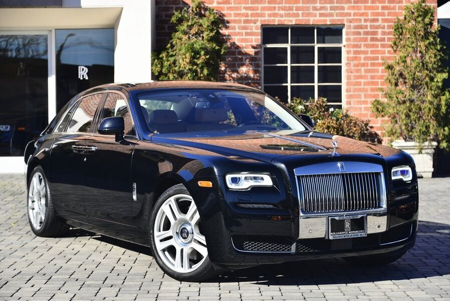 2015_Rolls-Royce_Ghost__ Beverly Hills CA