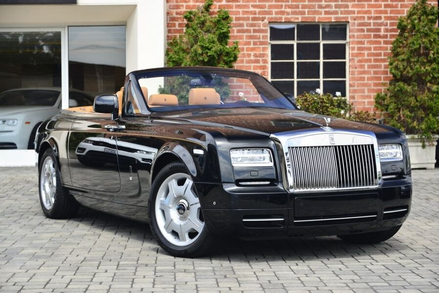 2015_Rolls-Royce_Phantom Drophead Coupe__ Beverly Hills CA
