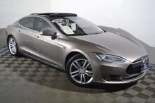 2015_Tesla_Model S_70D_ Seattle WA