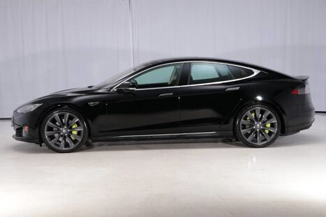 2015_Tesla_Model S AWD_70D_ West Chester PA