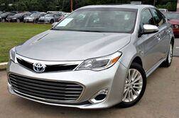 Toyota Avalon Hybrid XLE - w/ NAVIGATION & LEATHER SEATS 2015