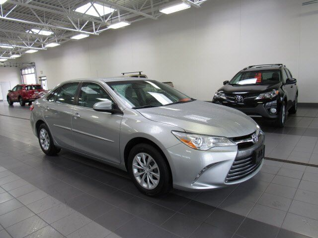 2015 Toyota Camry LE Green Bay WI