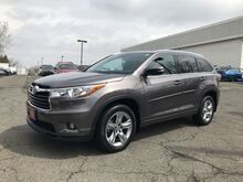 2015_Toyota_Highlander__ Englewood Cliffs NJ