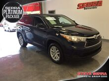 2015_Toyota_Highlander_LE_ Decatur AL