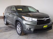 2015_Toyota_Highlander_LE Plus V6_ Epping NH