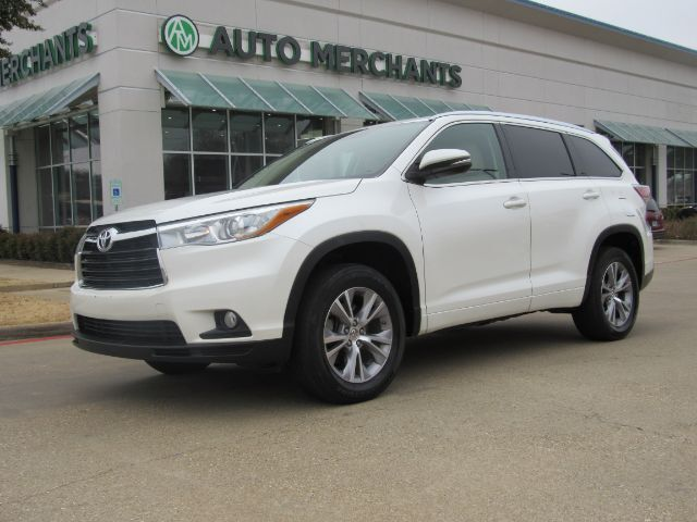 2015 Toyota Highlander XLE FWD V6 LEATHER SEATS, HEATED FRONT SEATS, NAVIGATION SYSTEM, SUNROOF Plano TX